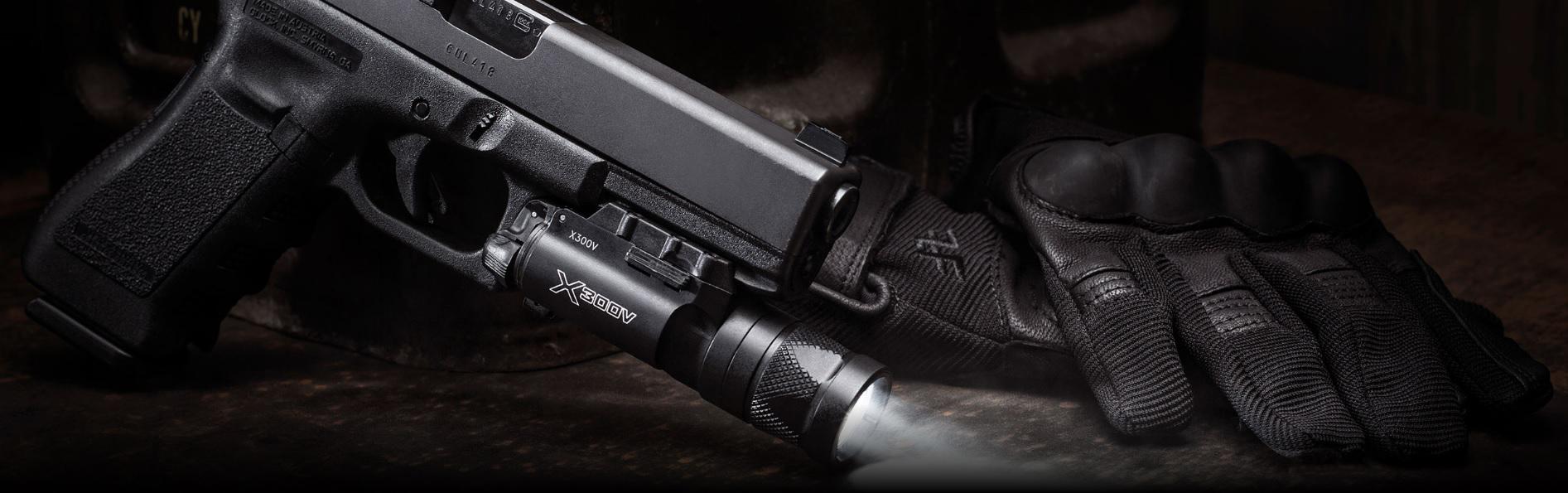 SUREFIRE-X300V-Infrared-White-LED-Handgun-WeaponLight-RailLock-System-GLOCK-Pistolenlicht-Waffenlicht-BANNER